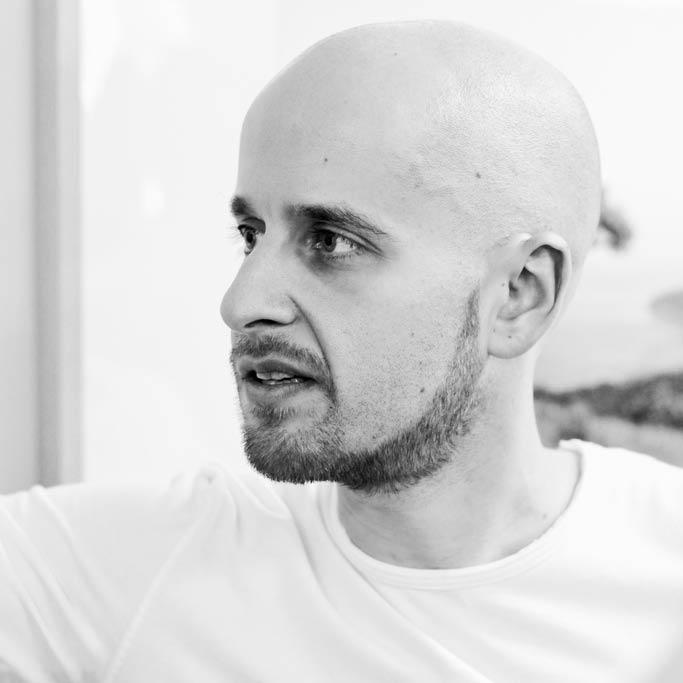 Dmitry Dragilev Headshot
