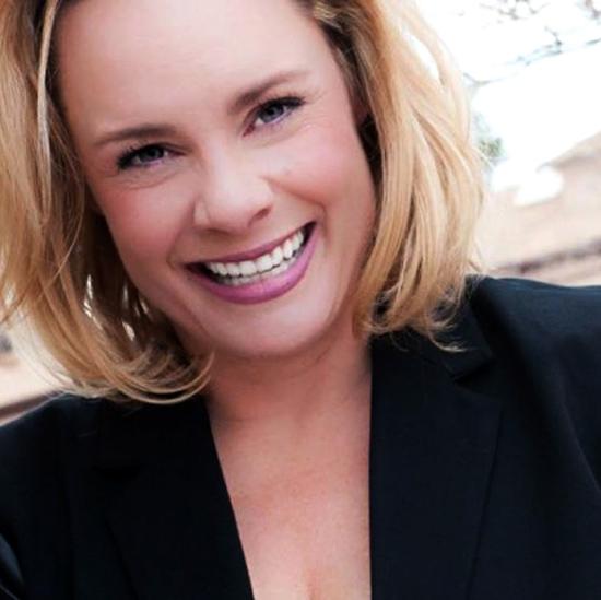 headshot of viveka van rosen - linkedin expert